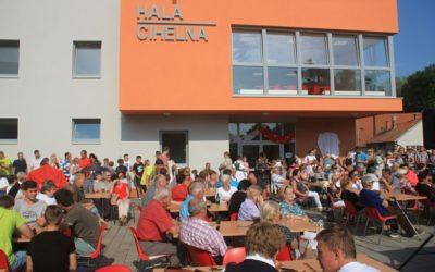 Občané v Buchlovicích se dočkali víceúčelové sportovní haly